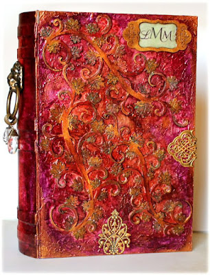 http://lainie1130.blogspot.com/2015/05/altered-book.html#comment-form