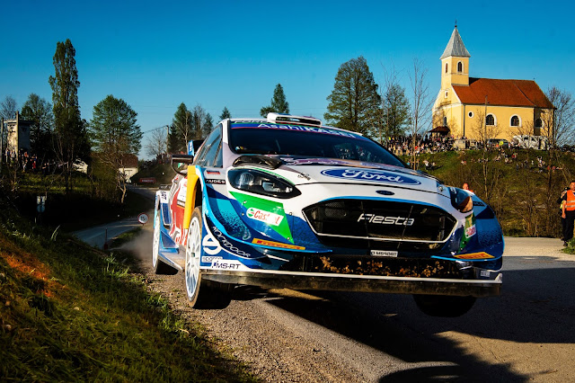 Ford fiesta rally racing car yumping