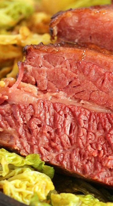 THE VERY BEST CORNED BEEF AND CABBAGE #recipes #dinnerrecipes #dinnerideas #newdinnerrecipes #newdinnerideas #newdinnerrecipeideas #food #foodporn #healthy #yummy #instafood #foodie #delicious #dinner #breakfast #dessert #lunch #vegan #cake #eatclean #homemade #diet #healthyfood #cleaneating #foodstagram