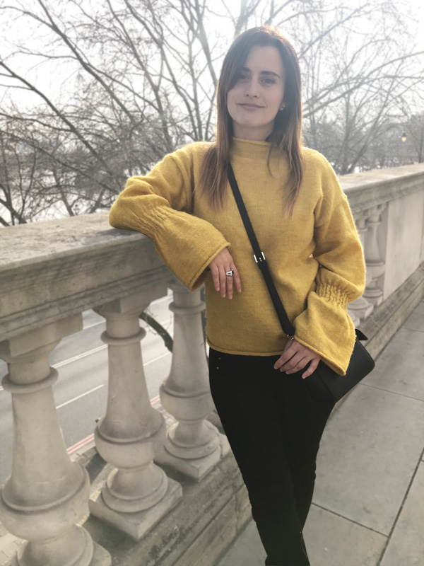 Mustard sweater with flared sleeves 3