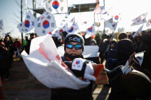 Protestan en Corea del Sur por primer partido intercoreano