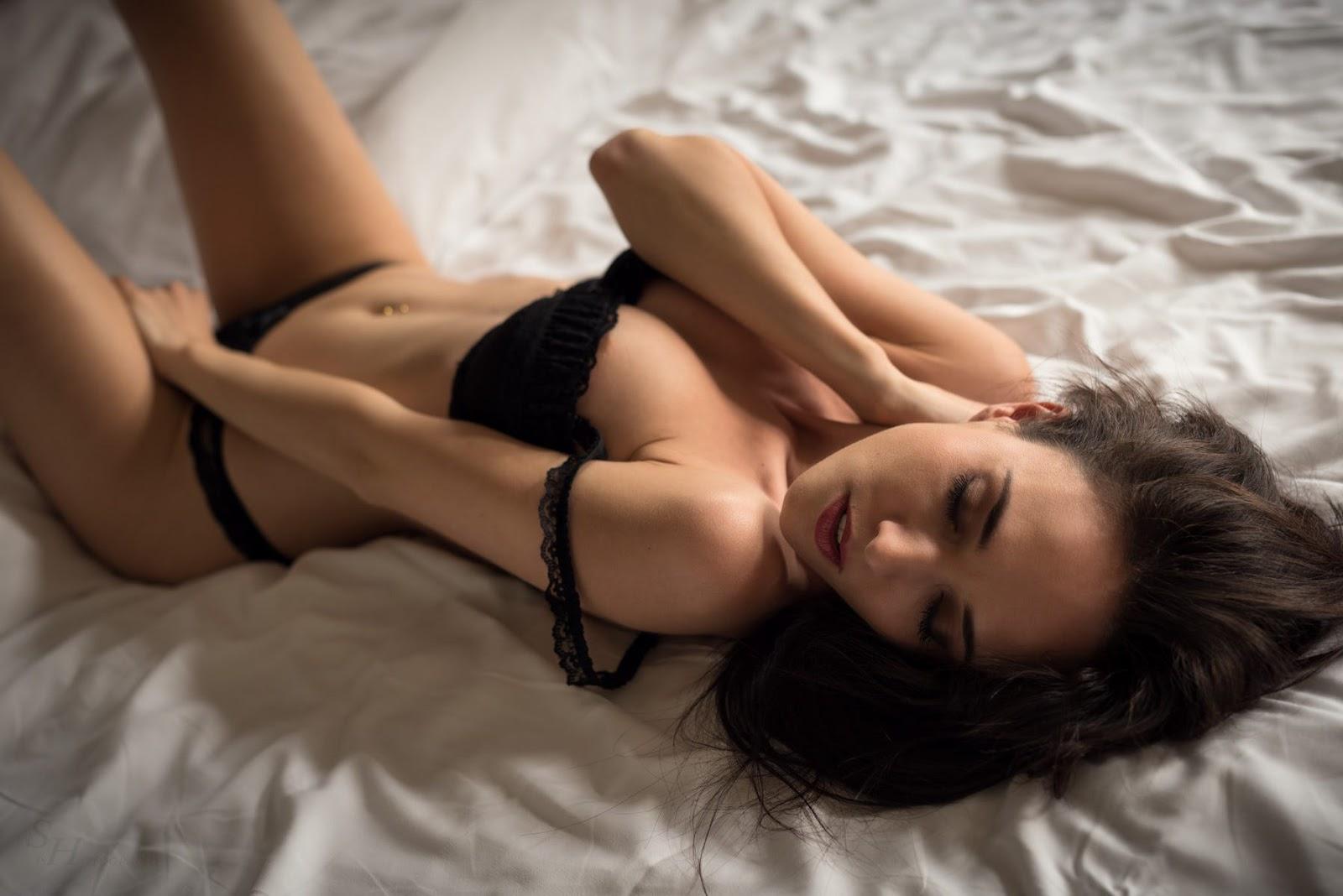 krasivie-seksualnie-devushki-ussuriyska-vlazhnaya-zrelaya-kiska-foto-krupno