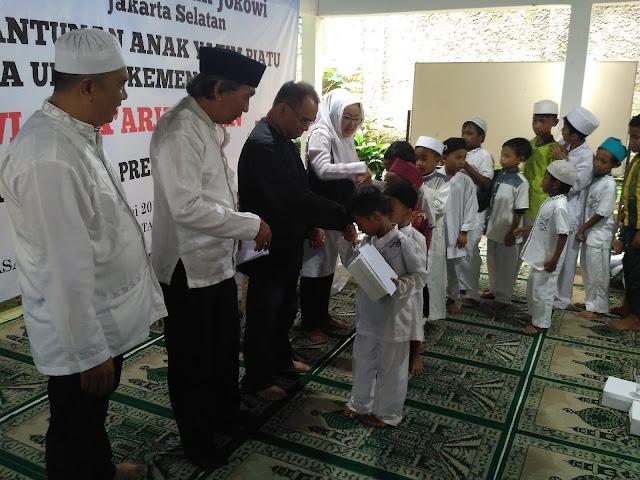 Berharap Kemenangan Jokowi dengan Menyantuni Anak Yatim