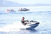 Gubernur Olly Turun Langsung Bagi Sembako ke Warga di Tiga Pulau