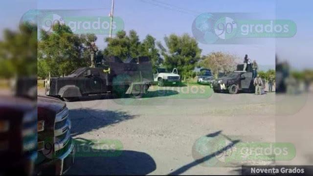 """Sicarios de Carteles Unidos (Troyanos, Templarios y Viagras) en convoys de camionetas y con camiones """"monstruo"""" salen a las calle de  """"El Aguaje"""", Aguililla; se registran balaceras"""