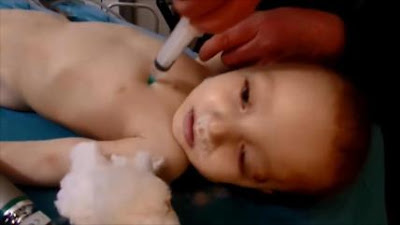 Siria: 'Cascos blancos' matan a niños para echar la culpa a Al-Asad