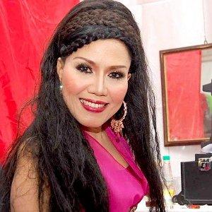 Biografi Dan Biodata Penyanyi Dangdut Rita Sugiarto Terbaru