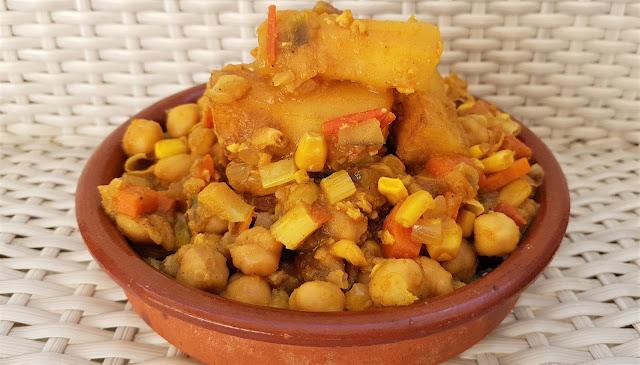 Curry de garbanzos con yuca
