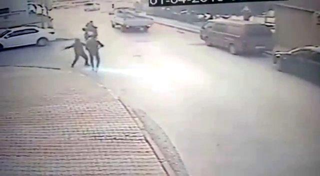 Mahalleliyi bezdiren şişli saldırgan yakalandı
