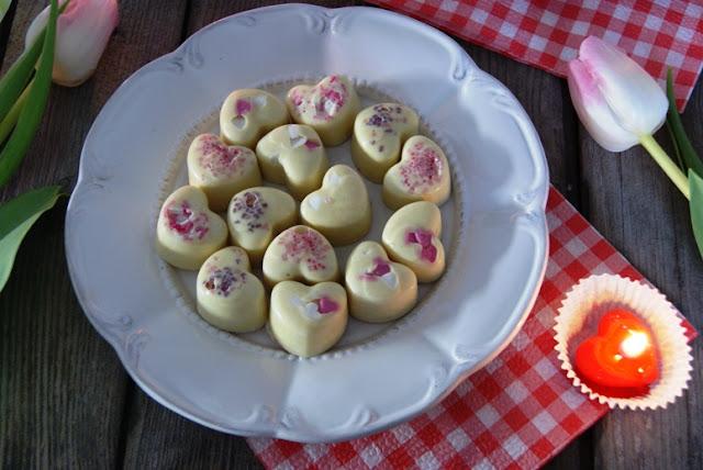 Walentynki przepisy, słodkie przepisy na Walentynki, Słodycze Walentynkowe, słodycze dla zakochanych, prezent na Walentynki, Dzień zakochanych, 14 luty,Kolacja we dwoje