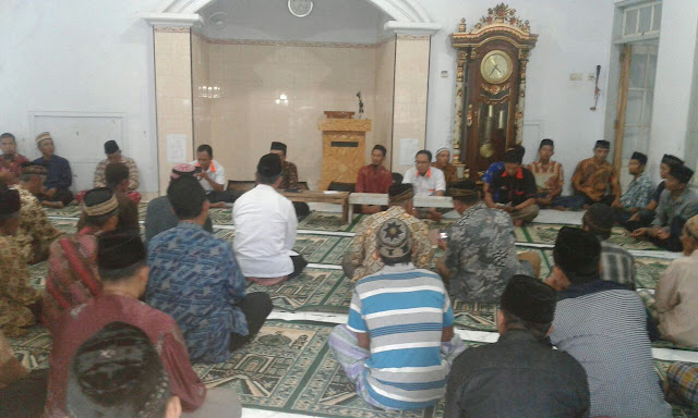 Team Lazismu Jember disambut dengan hangat oleh masyarakat Sanen Rejo