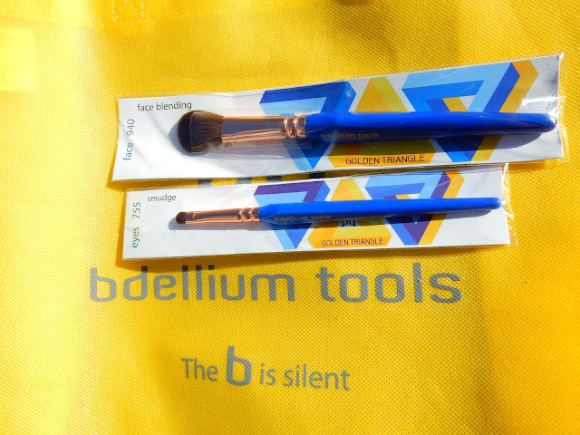 bdellium tools Golden Triangle brushes - www.modenmakeup.com