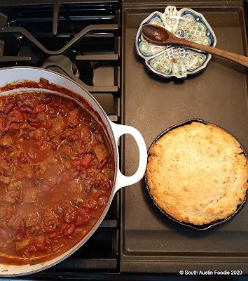 Chili (with beans!) and cornbread