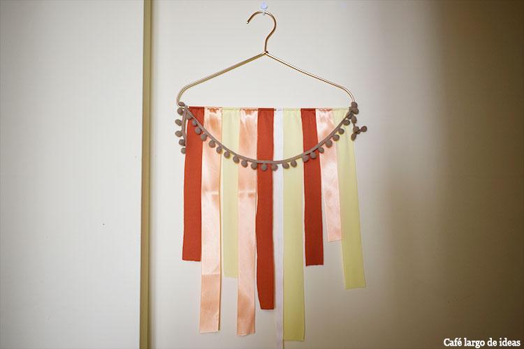 tapiz con lazos y trapillo