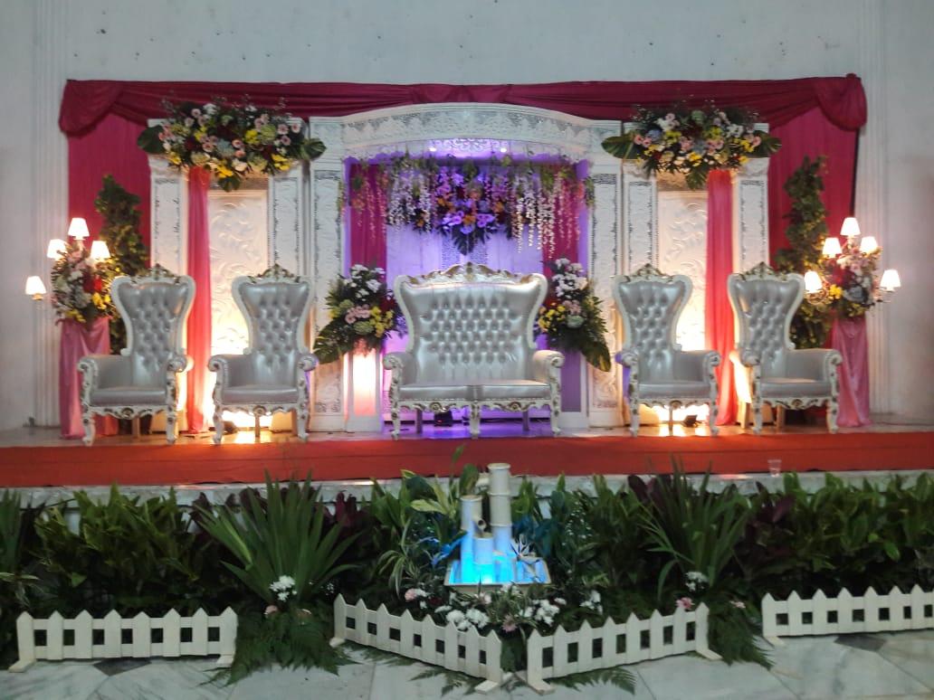 Jasa Vendor Dekorasi Bunga Pelaminan 041