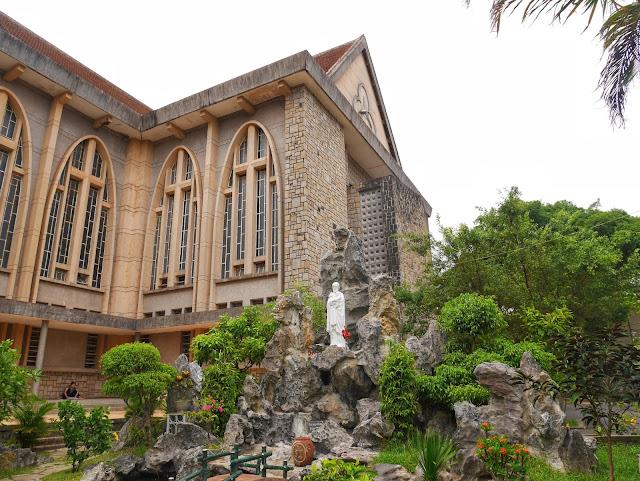 Phu Cam Cathedral, Hue, Vietnam gardens