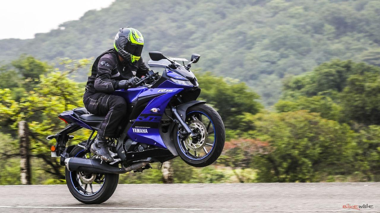 Gambar Yamaha R15 V3 kualitas HD - 9