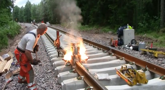 Railroad thermite welding - Thermite Reaction -Science Movie Today