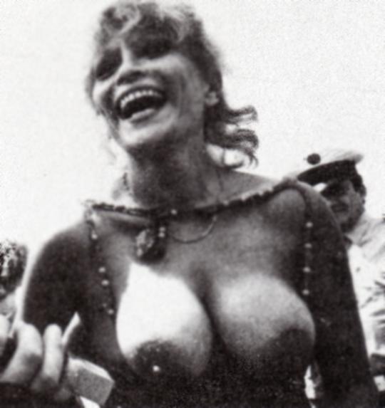 Nackt  Louisa Moritz Actress Says