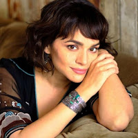 Norah Jones born March 30, 1979 is an American singer, songwriter and pianist