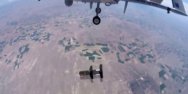 Νέα θανατηφόρα απειλή από Τουρκία: Βλήμα Mizrak-U που εκτοξεύθηκε από UAV TB2 Bayraktar καταστρέφει στόχο | Βίντεο