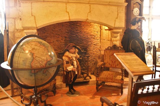 La Sala dei Grandi uomini e il bel mappamondo alla Maison Forte de Reignac