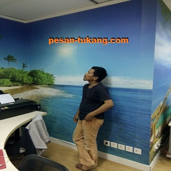 tukang wallpaper dinding murah dan rapi