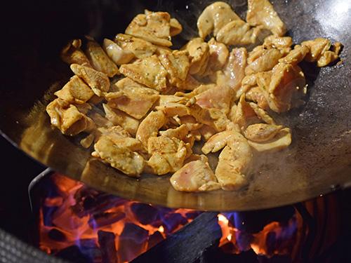How to stir fry on a kamado grill like a Big Green Egg, Kamado Joe, Kong, Grill Dome, Primo, or Vision