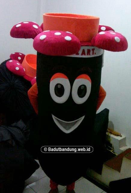 gambar 2 kostum raflesia badut honda one heart