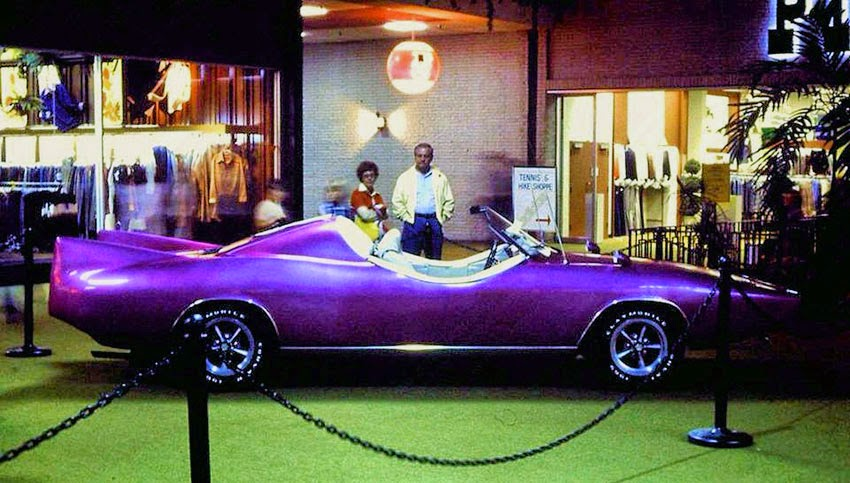 The Clymobile was purple in 1977 in this Vulcan Corvair Club photo.