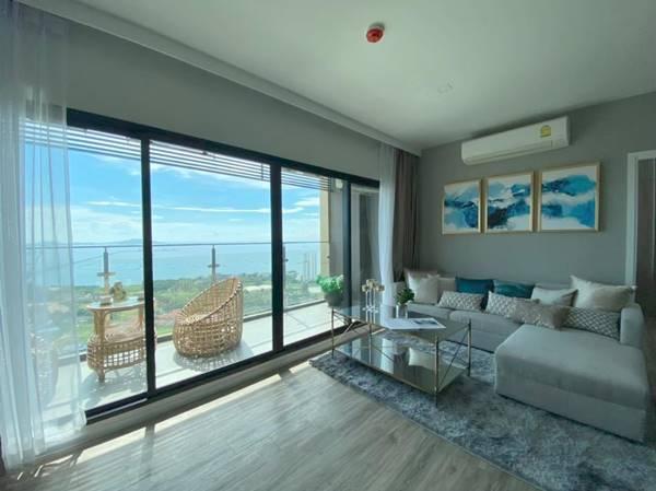 ให้เช่าคอนโด ห้อง Penthouse 100 ตร.ม. ชั้น 35 (วิวทะเลเกาะสีชัง) 69,000 บาท / เดือน โทร. 092-997-9859
