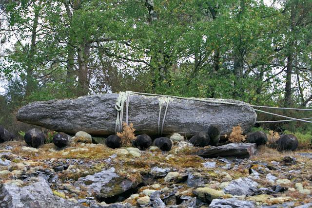 Parc de Préhistoire La Croix Neuve 56220 Malansac. Доисторический парк.