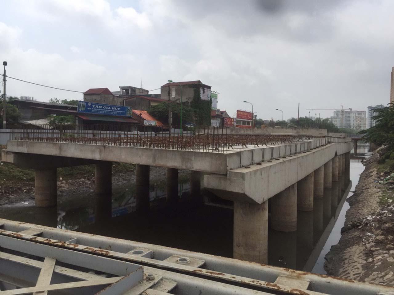 Dầm cầu L3 nằm trên dự án đường vành đai 2,5 đã được đặt