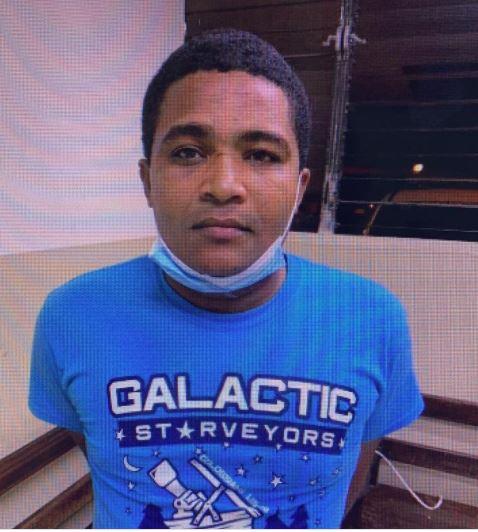 Apresan hombre acusado de envenenar dos mujeres en hospital de Santiago