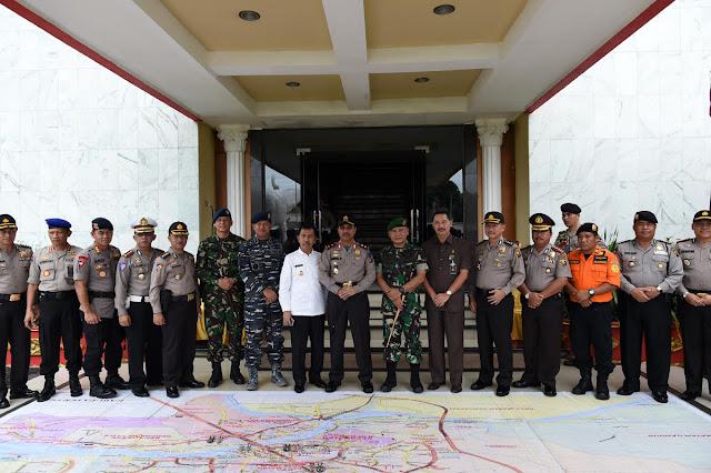 Ishak Mekki Hadiri Apel Gelar Pasukan Antisipasi Kontijensi Wilayah Sumsel