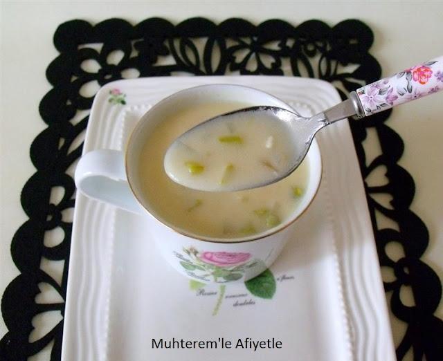 Kuşkonmaz çorbası resmi