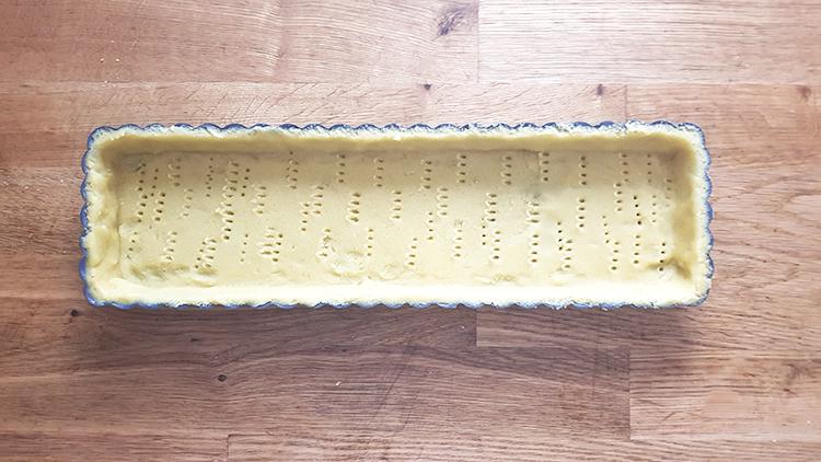Fonçage pâte sablée aux amandes