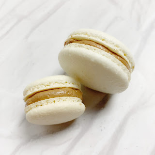 Chocolate buttercream macaron / onbudgetbeauty