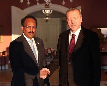الرئيس الصومالي  يهنئ تركيا بعيد الجمهورية الـ96