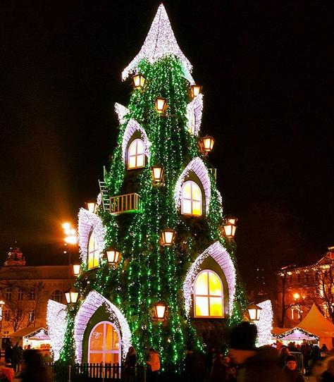 Ini dia Pohon Natal Terbesar, dan Terindah di Dunia