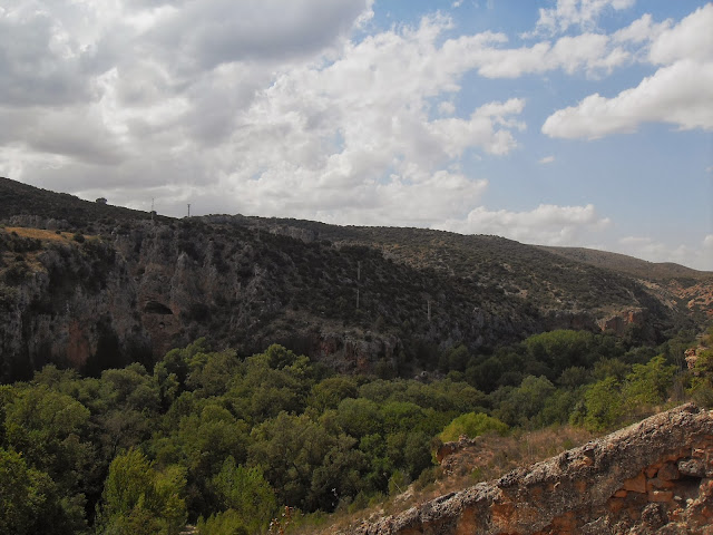 ruta de senderismo en el Monasterio de Piedra