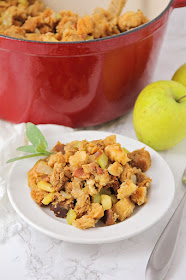 This bacon apple stovetop stuffing is the perfect addition to your Thanksgiving table! It's so flavorful, and so easy to make!