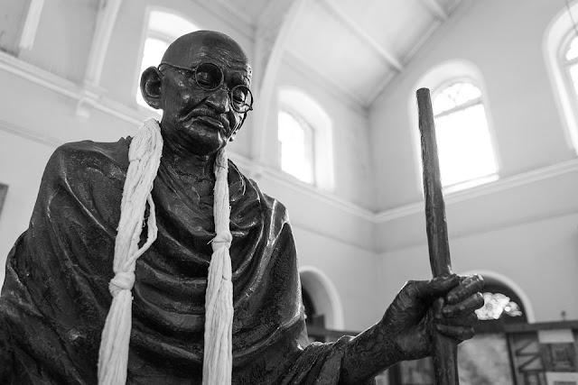 Gandhi Ji Statue Images Pictures - Wallpaper