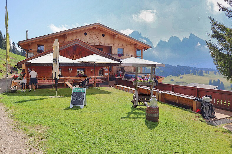 Malga Schgaguler all'Alpe di Siusi