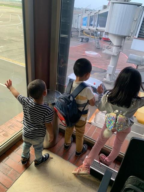 Naik Pesawat Bersama 3 Krucils