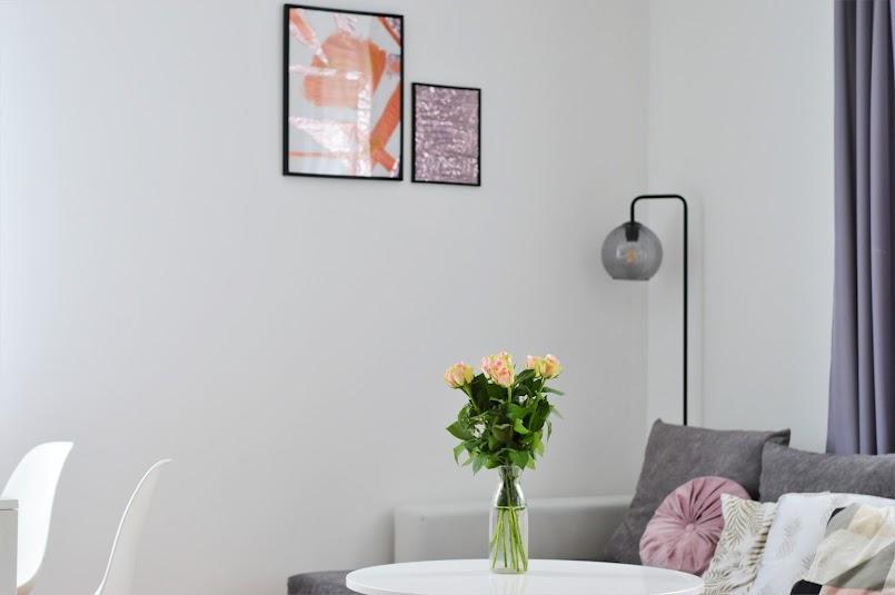 Złote plakaty do salonu DIY za 20 zł + nasz nowy salon