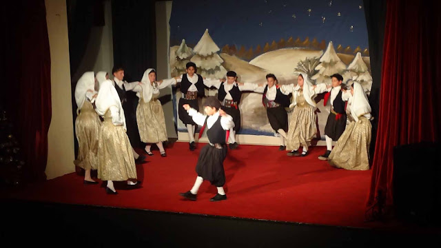 Το Εργαστήρι Ελληνικού Χορού και τα Χορευτικά Τμήματα του Τολού έκλεψαν τις εντυπώσεις στην Αμφίκλεια  !