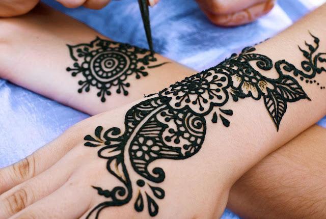 Taller de Mehndi: El Arte Tradicional de Henna