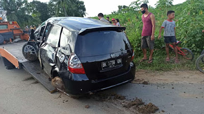 Honda Jazz Ditabrak Kereta Api di Tebingtinggi, Satu Balita Tewas