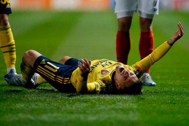 Arsenal trả giá sau chiến thắng ở vòng 5 FA Cup